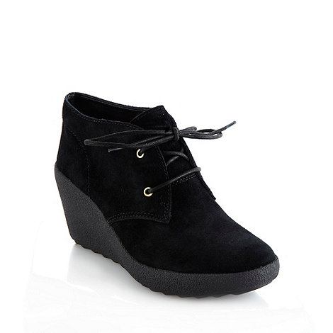 Clarks - Nice melody black suede mid heel ankle boots