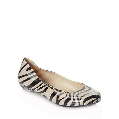 Mel - Beige zebra pumps