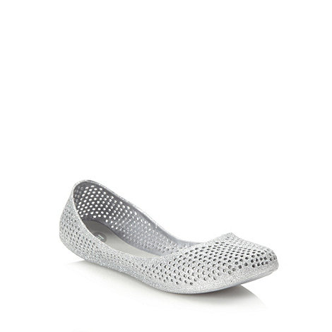 Mel - Silver punched glitter pumps