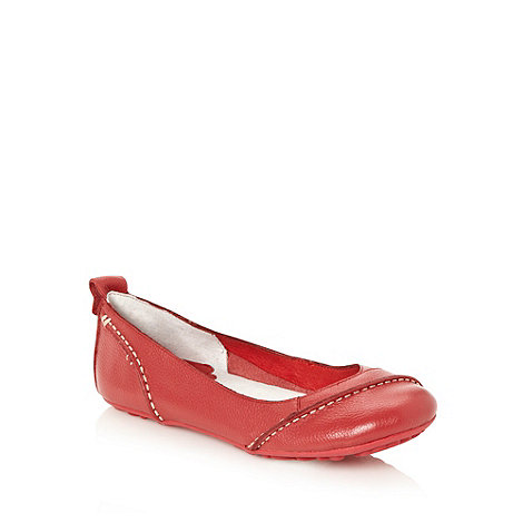 null - Red diagonal seamed pumps