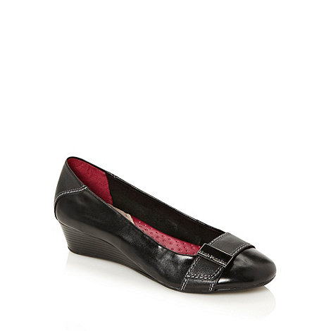 Hush Puppies - Black mid height wedge heeled shoes