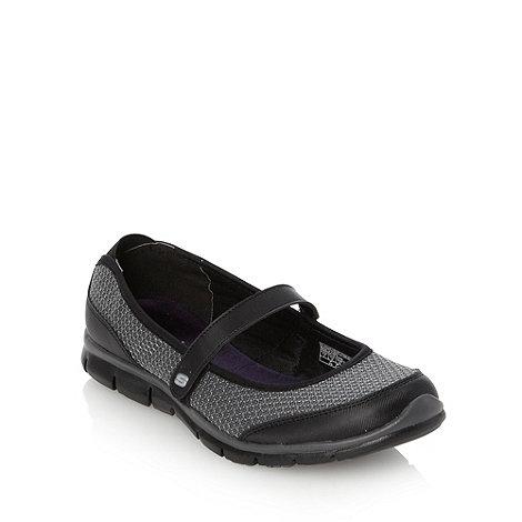 Skechers - Black +gratis+ pumps