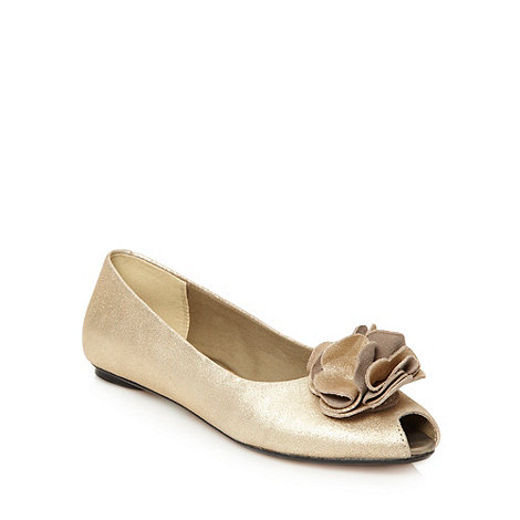 Clarks - Light gold +advent season+ pumps