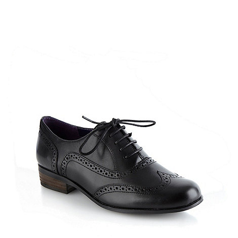 Clarks - Black leather +Hamble Oak+ brogues