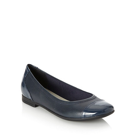 Clarks - Navy patent panelled pumps