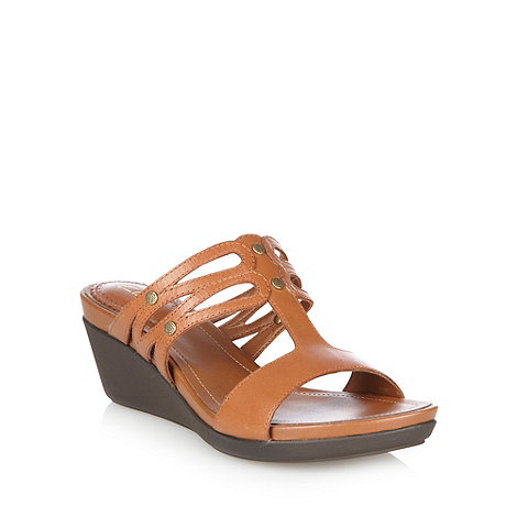 Clarks - Tan leather wavy strapped sandals
