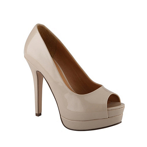 Call It Spring - Beige +skea+ high heel patent court shoes