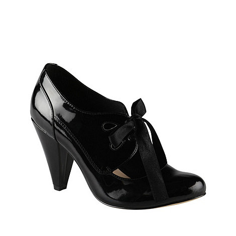 Call It Spring - Black leatherette mid heel laser cutout +pochatko+ court shoe