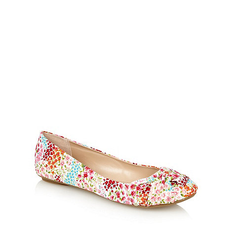 Call It Spring - Pink +santalucia+ floral pumps