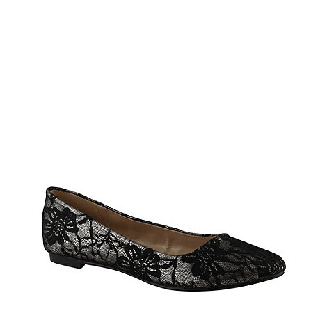 Call It Spring - Black +borla+ lace pumps