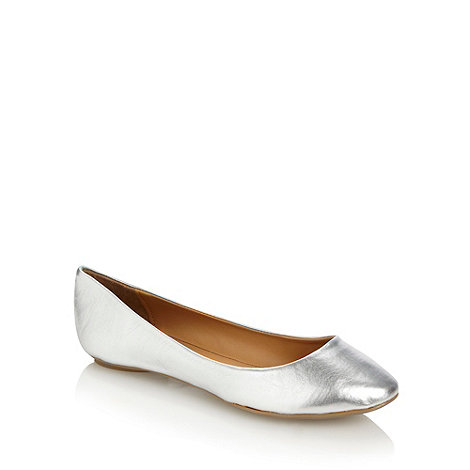 Call It Spring - Silver 'arleigh' round toe pumps