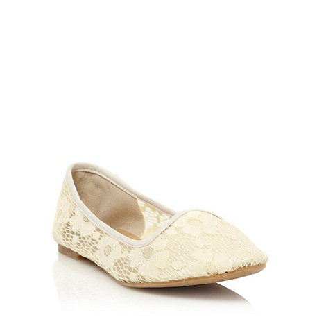 Call It Spring - Cream round toed pumps with a floral lace overlay
