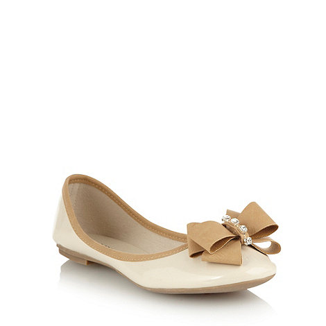 Call It Spring - Cream contrasting bow pumps
