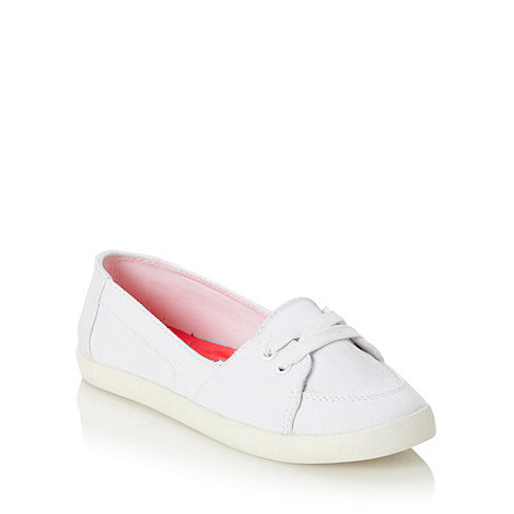 Call It Spring - White laced canvas pumps