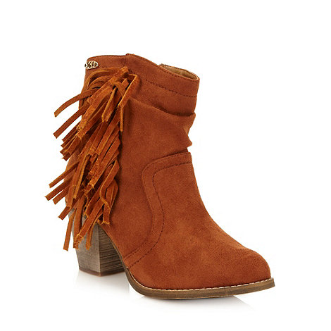 XTI - Tan suede fringed mid heel ankle boots
