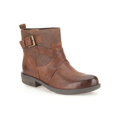 Clarks Brown leather ´ Merryn Trail ´ flat ankle boot - . -