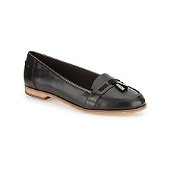 Clarks - Black leather angelica crush tasseled loafer
