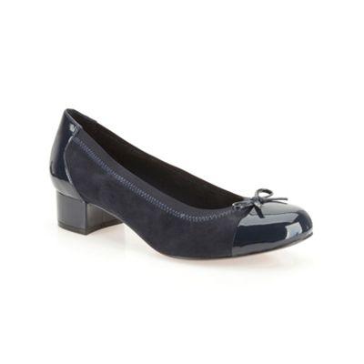 Clarks Navy suede ´ Balcony Poem ´ low heeled court shoe - . -