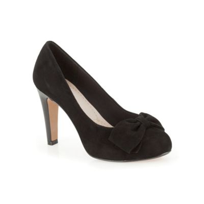 Clarks Black suede ´ Carrick Tumble ´ high heeled court shoe - . -