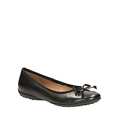 Clarks - Black leather arizona heat flat bow detail pump