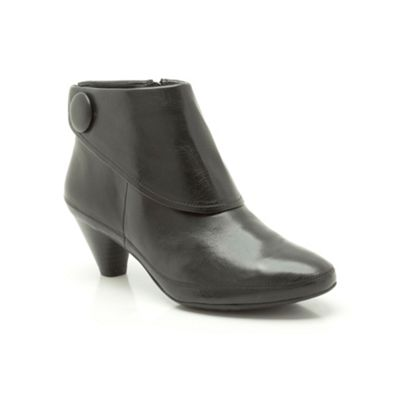 Clarks Black leather ´ Lucilla Denny ´ mid heeled ankle boot - . -