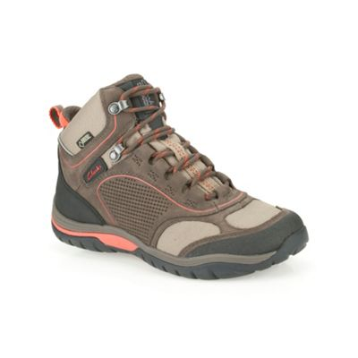 Clarks Brown Nubuck ´ IntourRouteGTX ´ lace up walking boot - . -