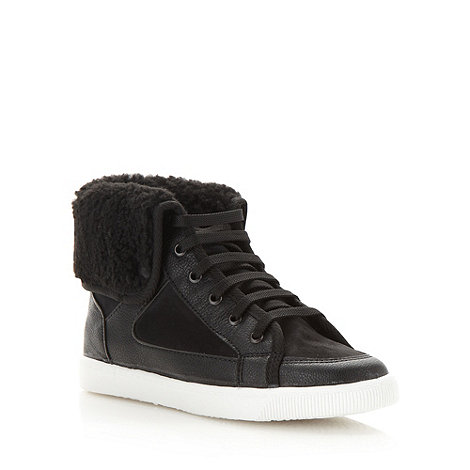 Faith - Black fleece trimmed trainers