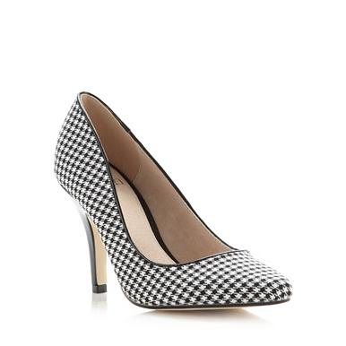 Black dogtooth high court shoes