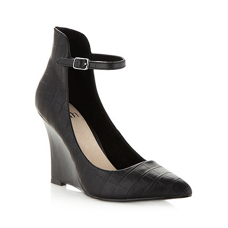 Faith - Black mock croc buckle high wedges