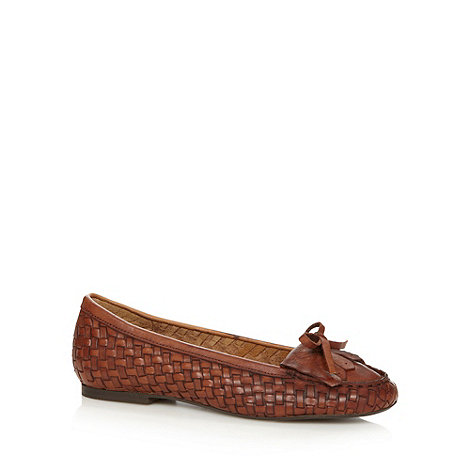 Faith - Tan weave leather tassel pumps