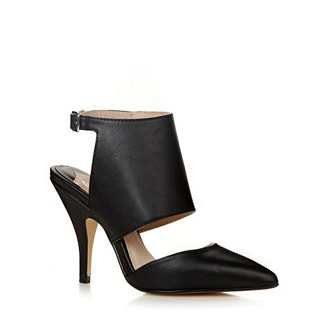 Faith - Black pointed toe cut out court shoes
