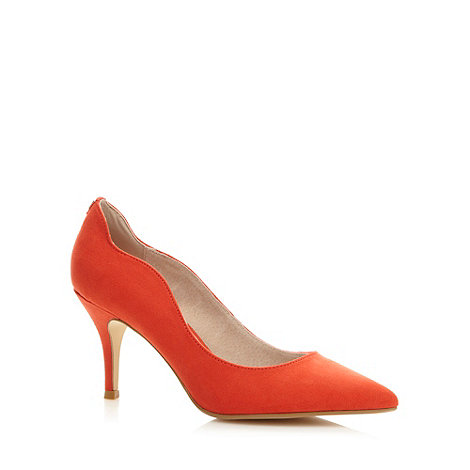 Faith - Red scalloped mid heel court shoes
