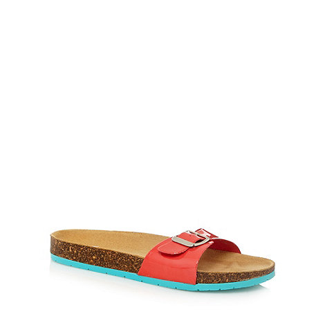 Faith - Red buckle moulded sandals