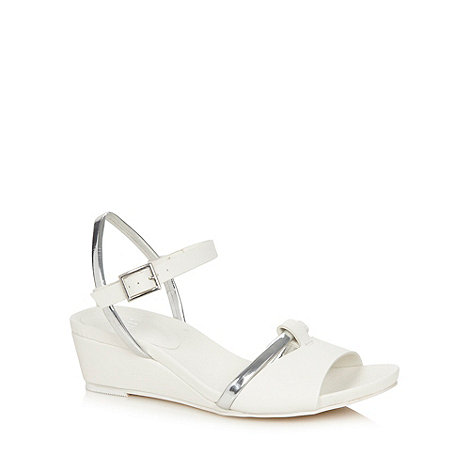 Faith - White heeled sandals