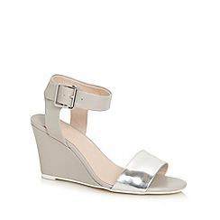 Faith - Light grey wedge heel sandals