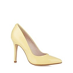Faith - Pale yellow pointed high court shoes