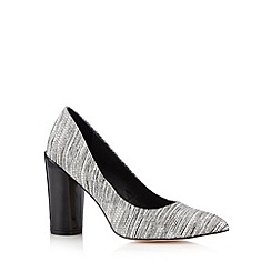Faith - Black crackle effect high court shoes