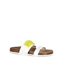 Faith - White stone applique sandals