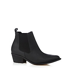 Faith - Black leather pointed toe mid heeled chelsea boots
