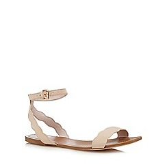 Faith - Beige scalloped sandals