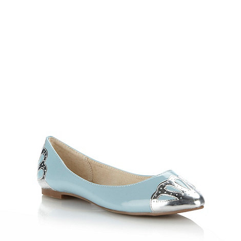 Faith - Light blue patent pumps with silver scalloped trims - size 5