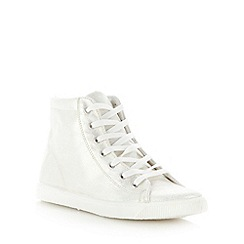 Faith - White distressed metallic high top trainers