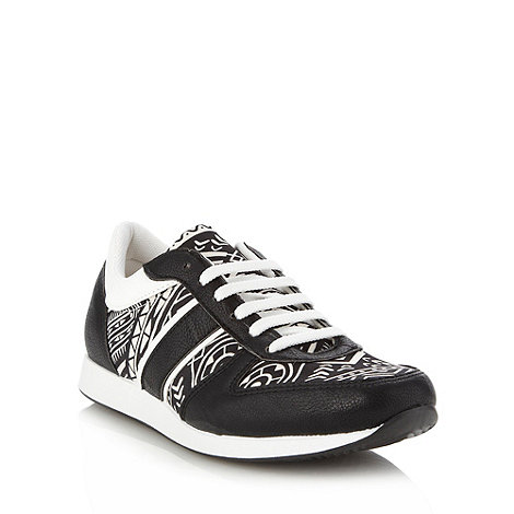 Faith - Black aztec panelled trainers