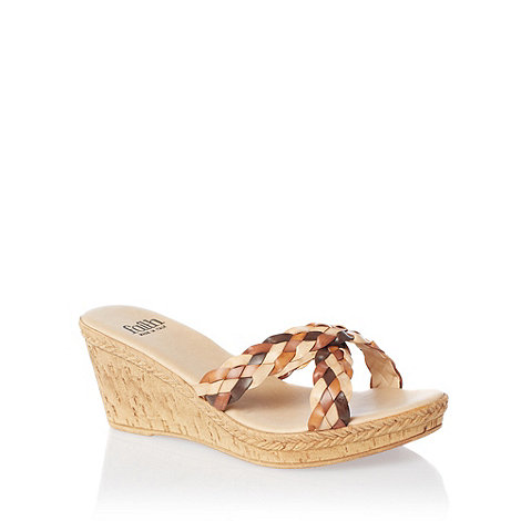 Faith - Tan plain wedge sandals