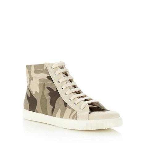 Faith - Khaki camouflage high top trainers