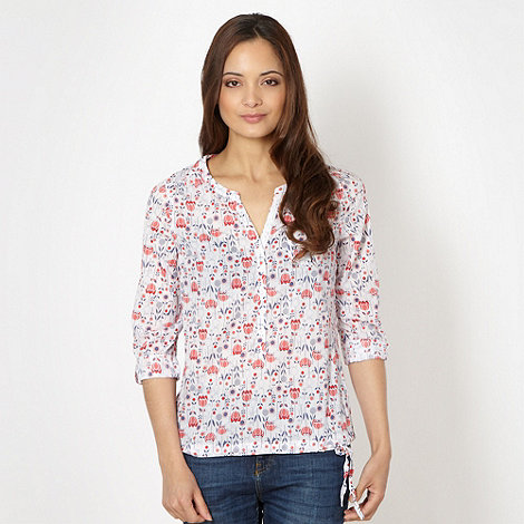 Mantaray - White woven rosebud patterned shirt