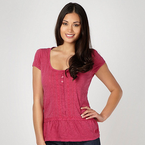 Mantaray - Dark pink lace trim top