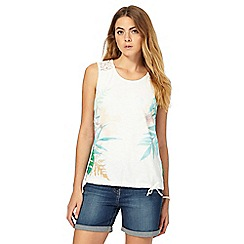 Mantaray - White crochet leaf print top