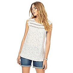 Mantaray - Off white arrow embroidered shell top