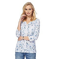 Mantaray - White waterscene print three-quarter length sleeved top